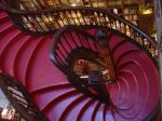 lello-bookstore-stairs