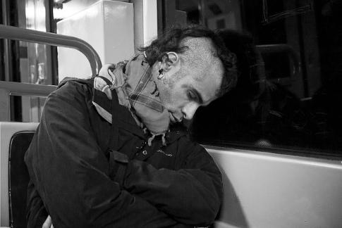 No se duerma en el metro [Cuento corto]