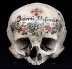 skull with inscription