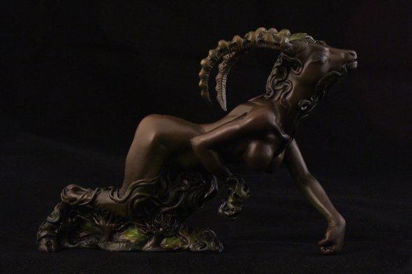 shub_niggurath_figurine_by_girhasha-d8dyv4k